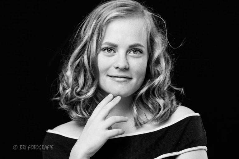 portretfoto vrouw zwart wit